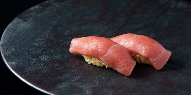 AburiがHyoketsuで最高の鮨をお客様に!